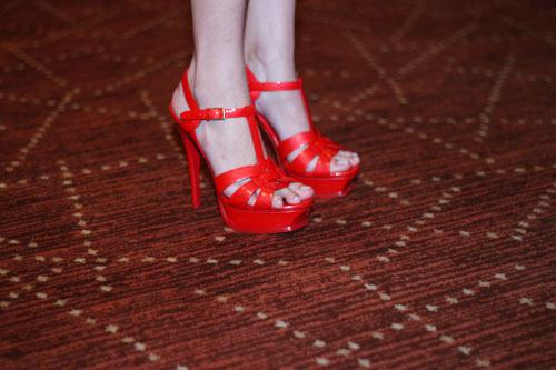 Những đôi giày chói lóa của Sao Việt - 12