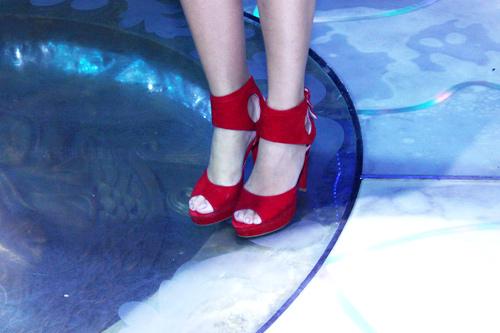 Những đôi giày chói lóa của Sao Việt - 10