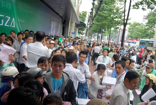 Thêm 5000 khách hàng nhận quà tri ân tại Nguyễn Kim - 2
