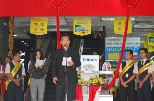 Thêm 5000 khách hàng nhận quà tri ân tại Nguyễn Kim - 3