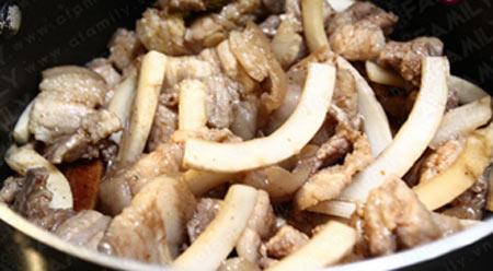 Thịt ba chỉ kho cùi dừa bớt ngán - 8