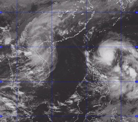 Bão số 6 đang tiến vào biển Đông - 1