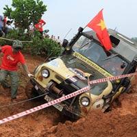 Giải đua xe ô tô địa hình Việt Nam: Kịch tính