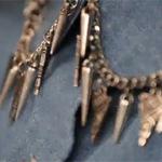 Thời trang - Trang trí vòng cho cổ áo thêm lạ mắt