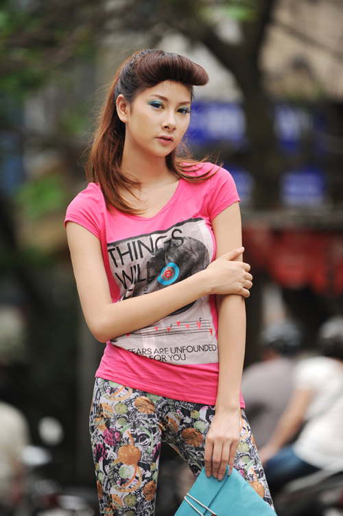Mu neon xung ph cng thiu n Vit, Thi trang bn ma, Thi trang, mau neon, tong mau neon, nguoi dep Viet, thoi trang, xu huong thoi trang, mau neon trong thoi trang, trang phuc mau neon, trang phuc hoa tiet, cach dung mau trong thoi trang