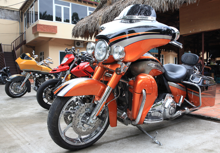 Harley-Davidson CVO Street Glide i 2011. N thuc quyn s hu ca mt ng ch kinh doanh  t.
