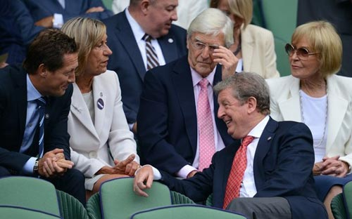 Roy Hodgson c v Murray V Wimbledon, Bng , Hodgson xem Murray tai Wimbledon, Hodgson, Murray, dt Anh, Euro 2012, Wimbledon, tennis, video tennis, Grand Slam, the thao, quan vot, tay vot, san co
