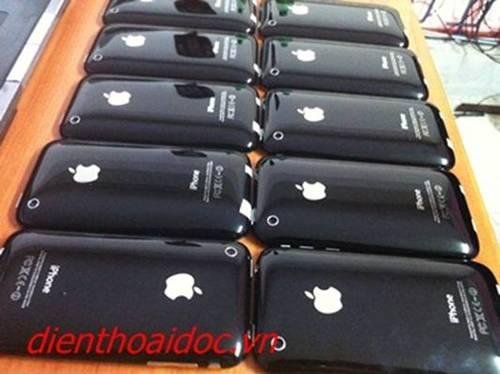 """Blackberry, iphone khuyến mãi giá """"sốc"""" trong tháng 7 - 2"""