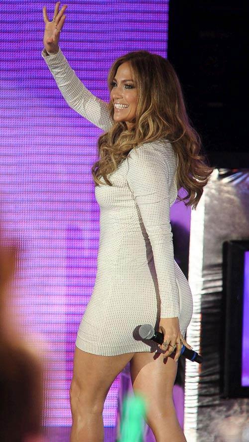 """J.Lo vòng 3 """"khủng"""" vẫn ham độn mông - 3"""