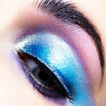 Làm đẹp - Những màu mắt độc