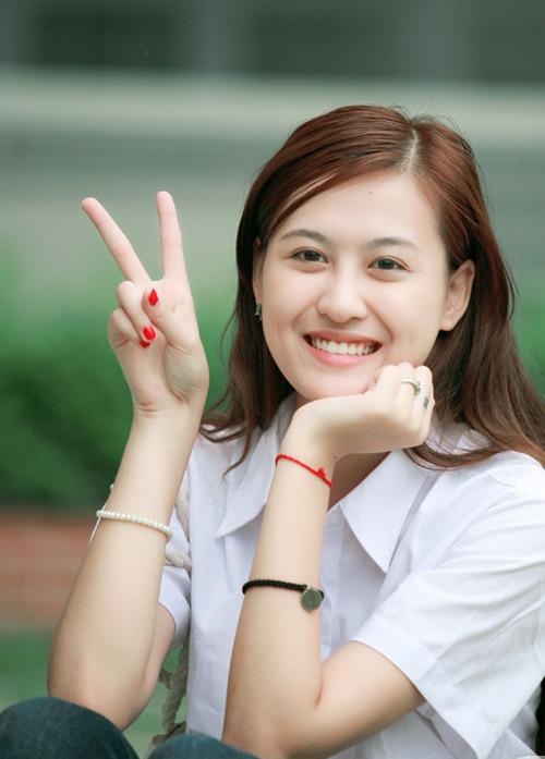 Hot girl Hà Lade thi vào trường mẹ giảng dạy - 2