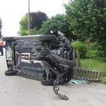 Tin tức trong ngày - Thụy Sĩ: Em bé trong bụng mẹ đạp… lật xe ô tô