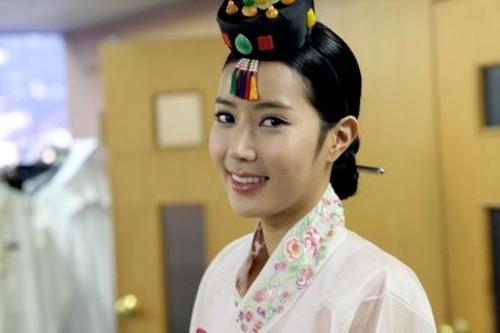 Mê mẩn kỹ nữ trong phim Việt - Hàn - 4