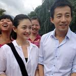 Phim - Vợ chồng Từ Hy Viên giản dị đi từ thiện
