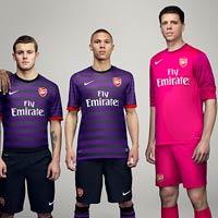 """Áo """"độc"""" cho sân khách của Arsenal"""