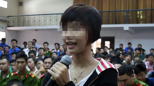 Ông Nguyễn Bá Thanh dạy dỗ thiếu niên hư - 2