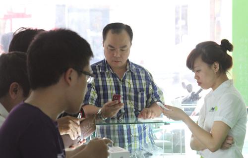 HKPhone Revo S siêu mỏng chinh phục mọi khách hàng - 4