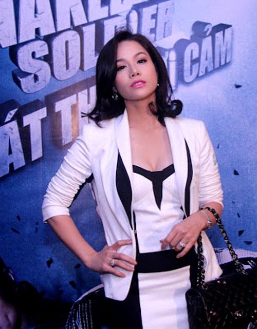 """Nhật Kim Anh: Nữ """"sát thủ"""" sexy - 4"""