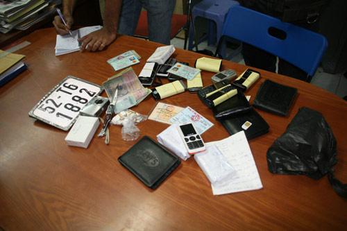 Hoang mang những vụ cướp dùng roi điện - 2
