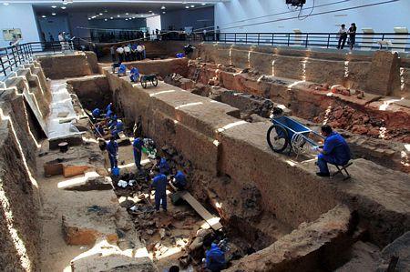Những dấu hỏi quanh lăng mộ Tần vương - 2