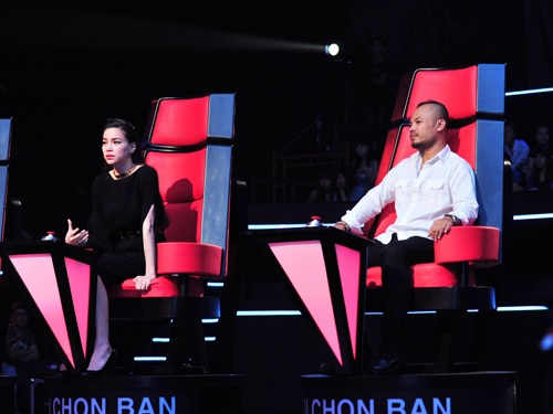 Th sinh The Voice khin H H au lng, Ca nhc - MTV, giong hat viet, giong hat viet 2012, ging ht vit, ging ht vit 2012, The voice, video giong hat viet, video clip giong hat viet, thu minh, ha ho, tran lap, Pham thi phuong dung, Noi thoi gian ngung lai, Thi sinh khuyet tat, Ho ngoc ha, dam vinh hung, thi sinh