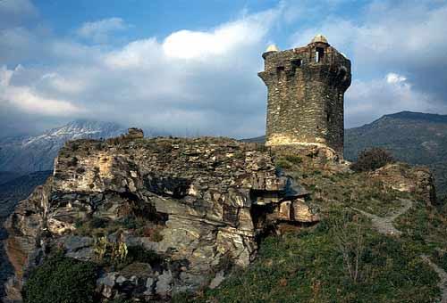 Thăm ngôi làng cổ cheo leo trên núi đá - 5