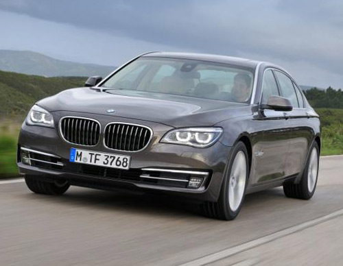 BMW 7-Series, đối thủ của Mercedes S63, Ô tô - Xe máy, BMW 7-Series, BMW M770i xDrive, BMW, M770i xDrive, gia BMW M770i xDrive, ra mat BMW M770i xDrive, o to, xe BMW M770i xDrive, so sanh BMW M770i xDrive vs Mercedes S63, Mercedes S63, Mercedes, S63, Audi S8, tin o to