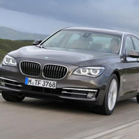 BMW 7-Series, i th ca Mercedes S63