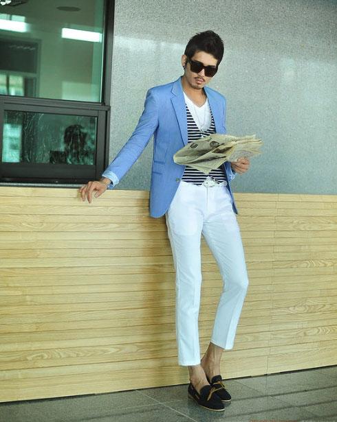Cách phối giày vải với quần áo đi làm - 5