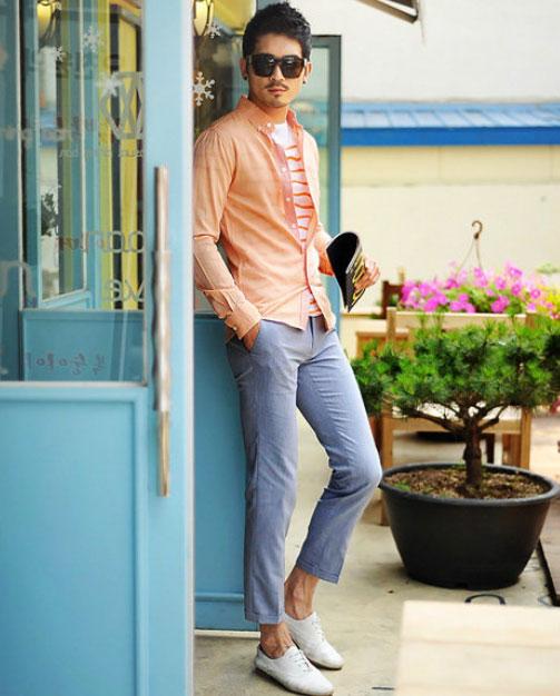 Cách phối giày vải với quần áo đi làm - 10
