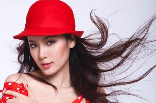 Những làn môi hút hồn của showbiz Việt - 12