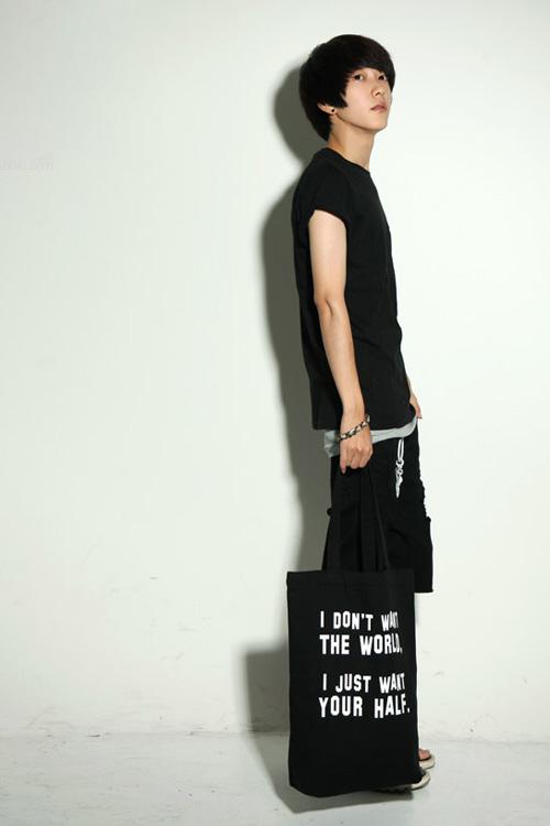 Đa phong cách với túi xách như trai Hàn - 8