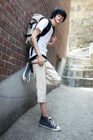 Đa phong cách với túi xách như trai Hàn - 19