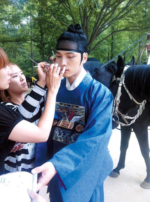 Lộ cảnh Lee Min Ho bắt cóc Kim Hee Sun - 17