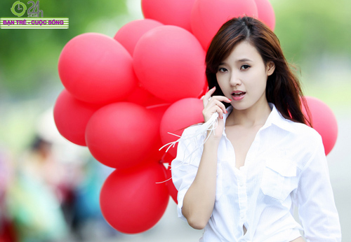 Hot girl Midu xinh tươi trên phố Sài Gòn - 9
