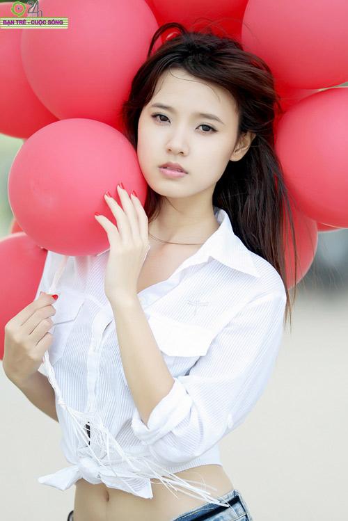 Hot girl Midu xinh tươi trên phố Sài Gòn - 12