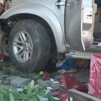 Xe tông quán mì, 7 người chết tại chỗ