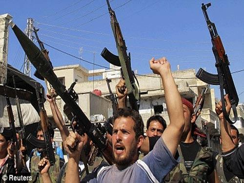"""Tổng thống Syria """"chỉ còn trụ được 4 tuần"""" - 2"""