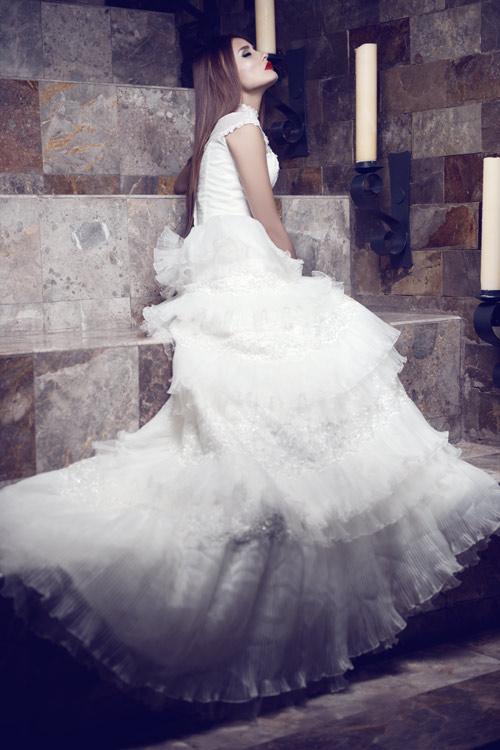 Kim Minh gợi cảm quá đỗi với váy cưới - 6