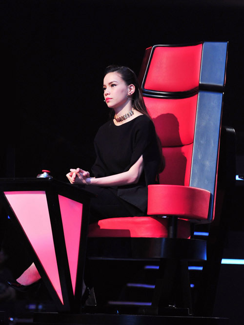 HLV The Voice c nn &quot;li&quot; thay ?, Thi trang, the voice, thoi trang, thoi trang giam khao, thoi trang bon mua, thoi trang, trang phuc the voice, trang phuc giam khao,