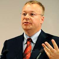 Stephen Elop xc nhn WP8 pht hnh thng 10