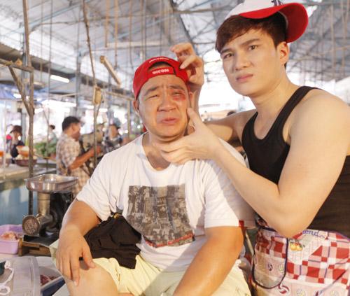 Hiếu Hiền, Lâm Chấn Huy bán… thịt trong MV - 11