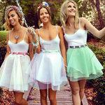 Thời trang - Tô điểm nét nữ tính với váy xếp ly xòe