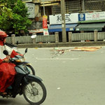 An ninh Xã hội - Một thanh niên bị xe buýt chèn qua đầu