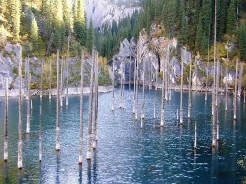 Kaindy - hồ nước kỳ lạ nhất thế giới - 2