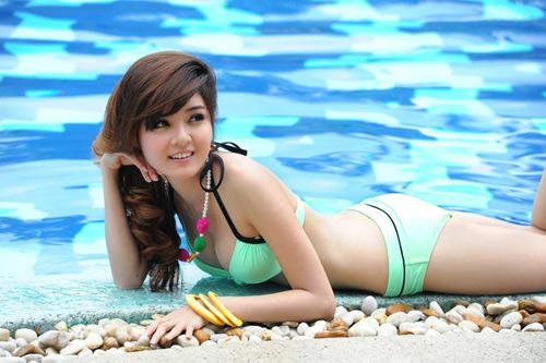 Hot girl Việt khoe đường cong nóng bỏng - 5