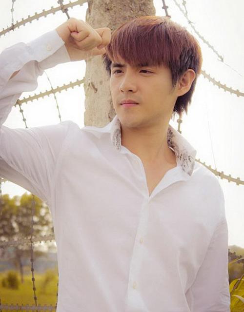 Đông Nhi chăm sóc Ông Cao Thắng - 4