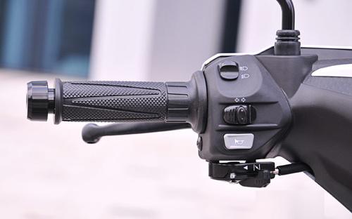 Yamaha Exciter côn tay: Riêng một lối đi - 4