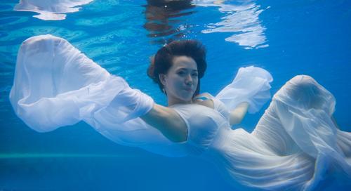 Hot girl Mai Thỏ gợi cảm dưới nước - 3