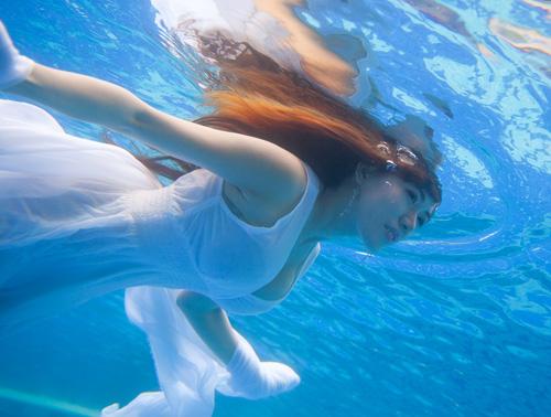 Hot girl Mai Thỏ gợi cảm dưới nước - 4